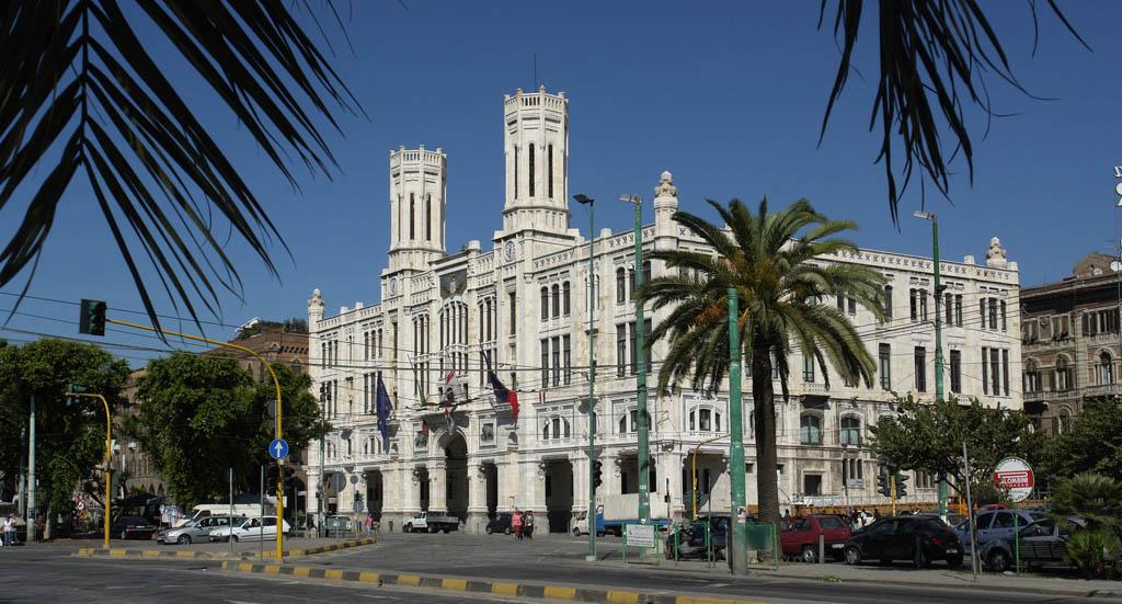 Cagliari , capoluogo della Sardegna - Visit Italy