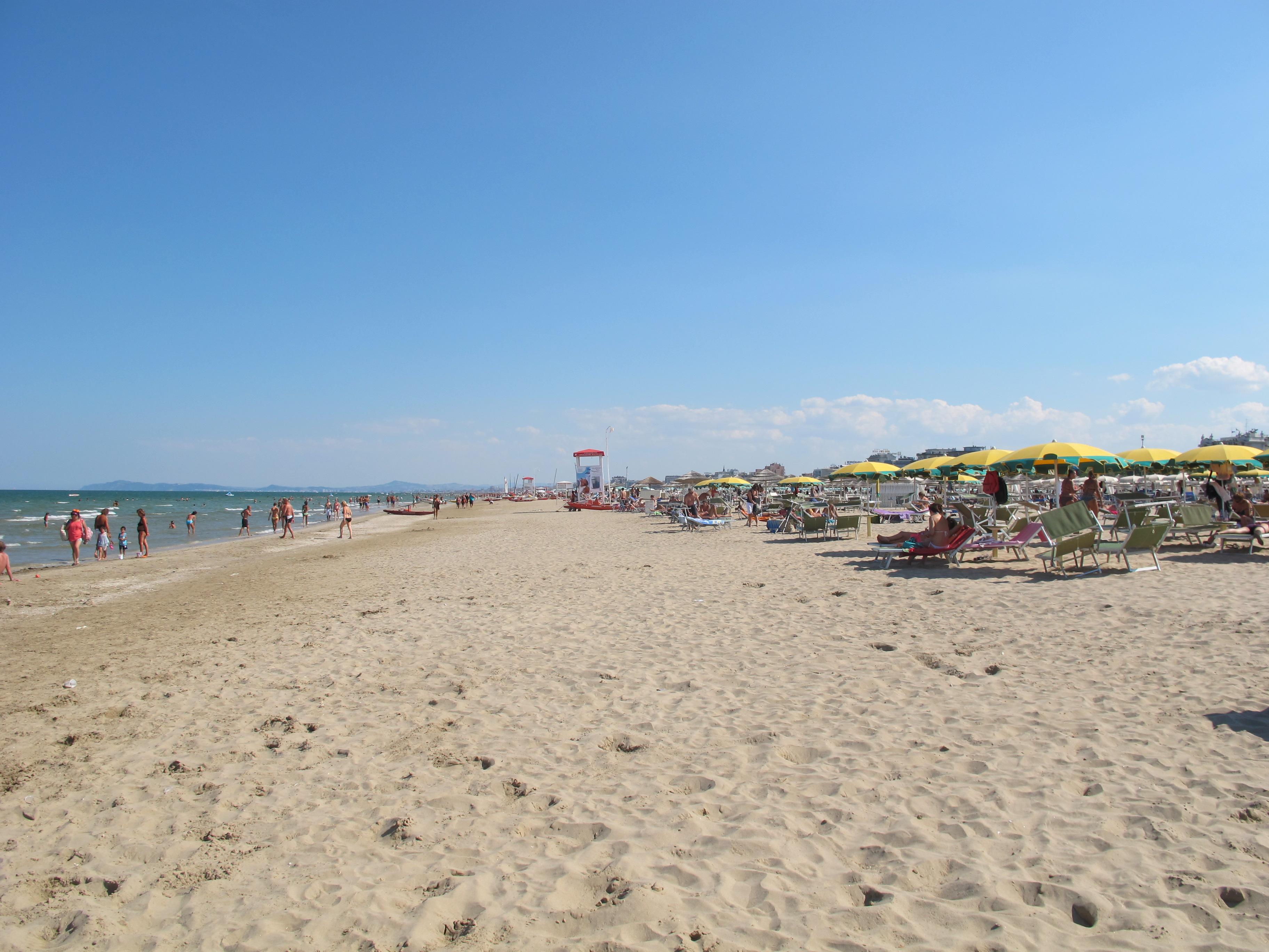 Matrimonio Spiaggia Riviera Romagnola : Romagna spiagge e locali gay friendly visit italy