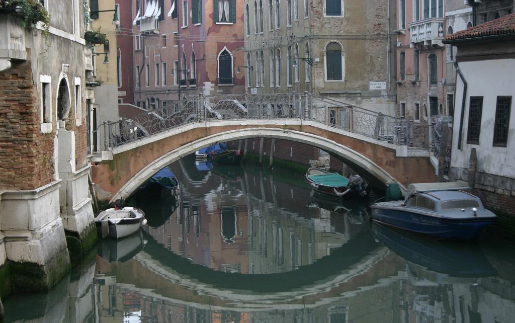 Il ponte del Mondo Novo - Venezia - Visit Italy