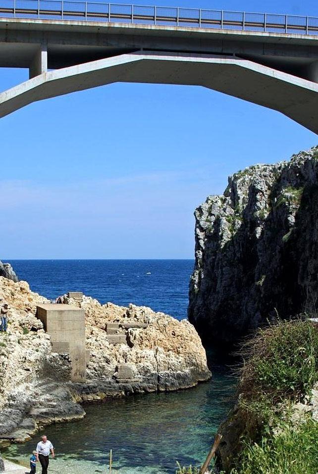 Vacanze a gagliano del capo visit italy for Gradini del ponte curvi