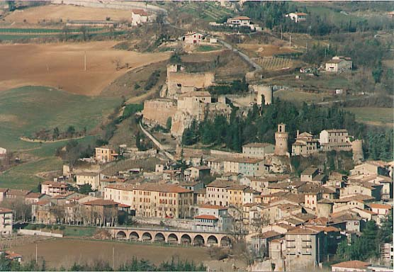 View of the town and of the fortress - Castrocaro Terme - Visit Italy