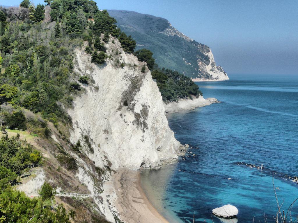 Numana Italy  city photos : ... imponentes rincones naturales para descubrir.. Numana Visit Italy