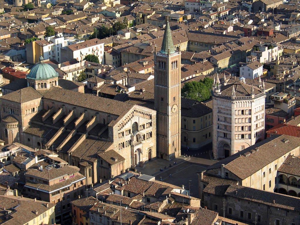 Parma Italy  city images : Vista dall'alto del Duomo e del Battistero Parma Visit Italy