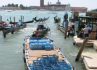 Venezia - Barca che trasporta bibite - Venezia - Visit Italy