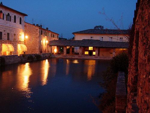 Foto bagno vignoni immagini bagno vignoni visit italy - Bagno vignoni immagini ...