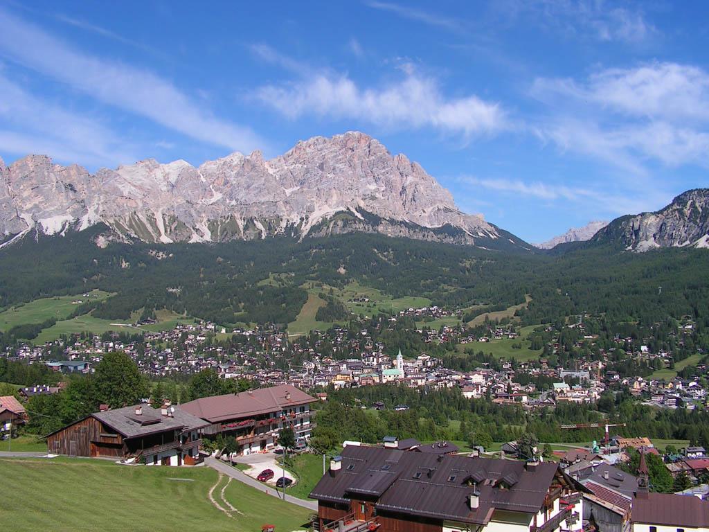Belluno Italy  city pictures gallery : Cortina d'Ampezzo Belluno, Italy | Future Destinations | Pinterest