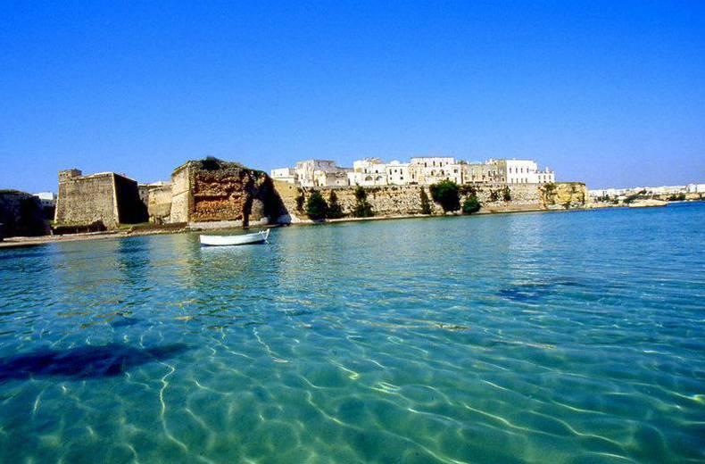 Spiaggia marina di otranto otranto visit italy - Santa maria al bagno spiagge ...