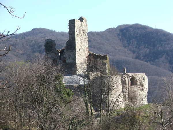 Foto torriglia immagini torriglia visit italy for Disegni casa castello