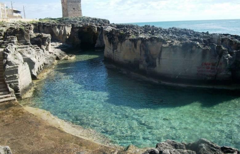 Spiaggia marina serra tricase visit italy - Piscine naturali piemonte ...