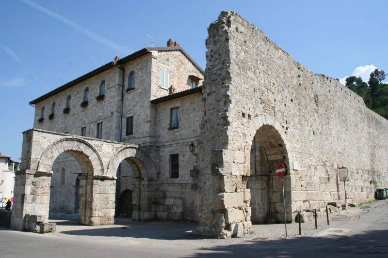 Foto ascoli piceno immagini ascoli piceno visit italy - Porta romana viaggi ...