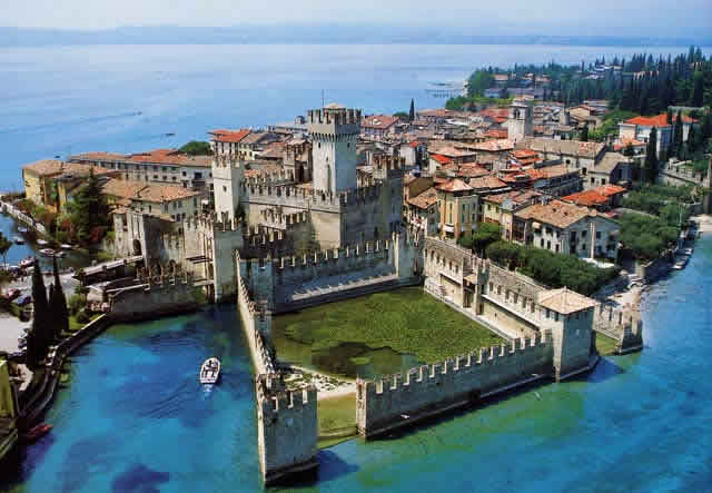 Vacanze A Sirmione Visit Italy