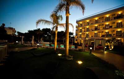 Tichos Hotel -Castellaneta (TA)