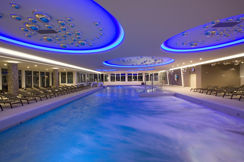Hotel terme venezia abano terme visit italy - Terme euganee piscine ...