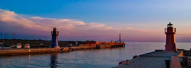Vista del porto al tramonto