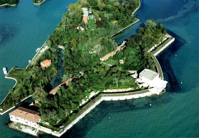 Forte San Andrea - Venezia     - Visit Italy