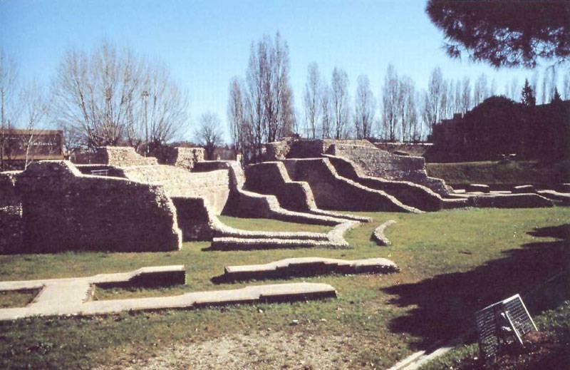 Anfiteatro romano - Rimini  - Visit Italy