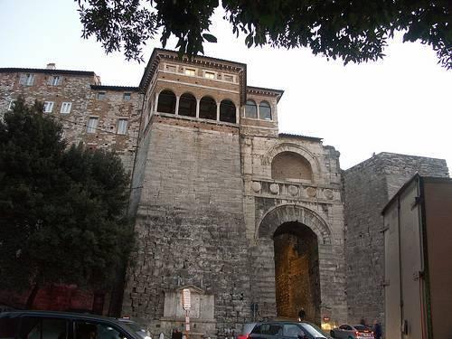 Arco Etrusco - Perugia  - Visit Italy