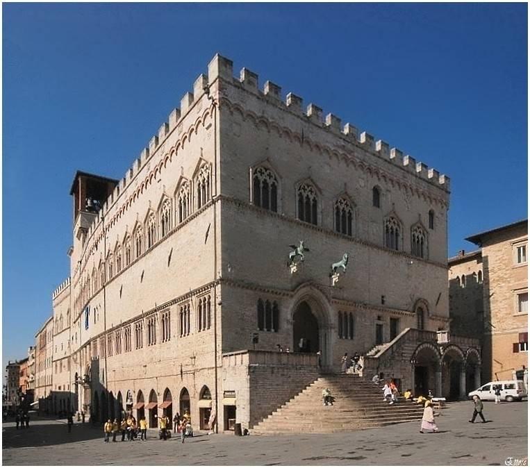 Palazzo dei Priori - Perugia  - Visit Italy