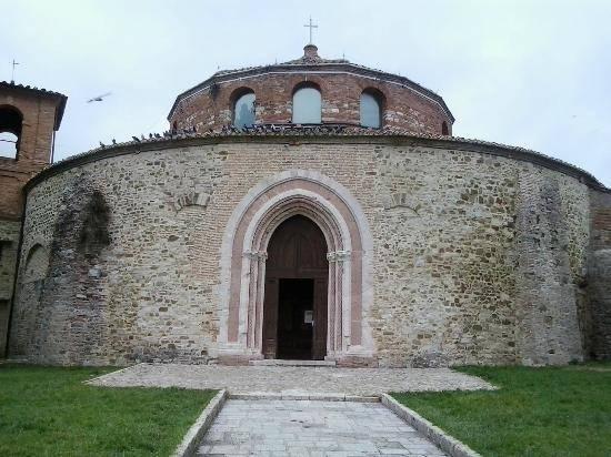 Tempio di San Michele Arcangelo - Perugia  - Visit Italy