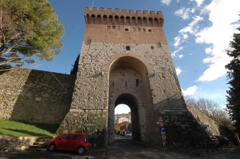 Porta Sant'Angelo - Perugia     - Visit Italy