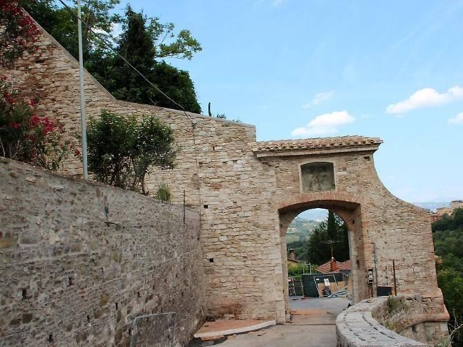 Porta del Bulagaio - Perugia  - Visit Italy