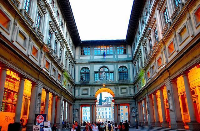 Palazzo degli Uffizi - Florence  - Visit Italy