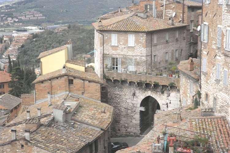 Porta Eburnea - Perugia  - Visit Italy