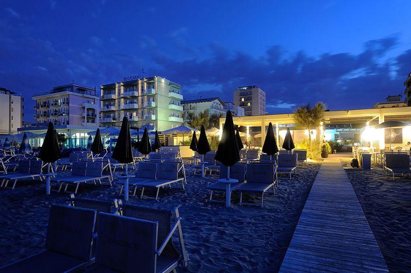 Lido Del Savio Italy  city images : Hotel Caesar a Lido di Savio: mare, relax e coccole per tutti