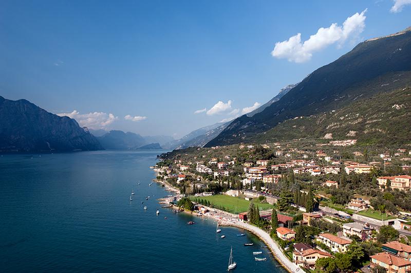 Vista del Lago di Garda, il lago più grande d'Italia -  - Visit Italy