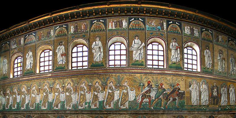 Mosaici della navata - Ravenna - Visit Italy
