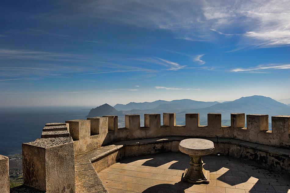 Veduta dai Bastioni del Castello - Erice - Visit Italy