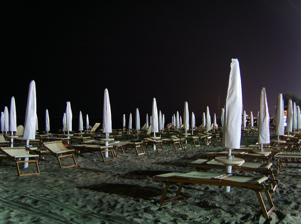 Lidi ferraresi di notte -  - Visit Italy