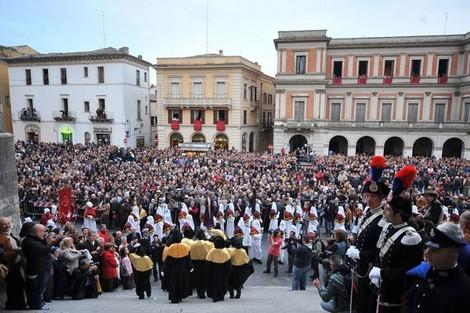Processione del Cristo morto - Chieti - Visit Italy