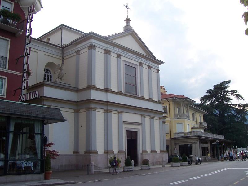 Chiesa Parrocchiale di S. Ambrogio - Stresa - Visit Italy