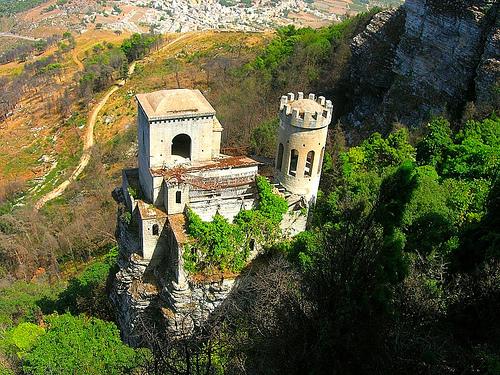 - Erice - Visit Italy