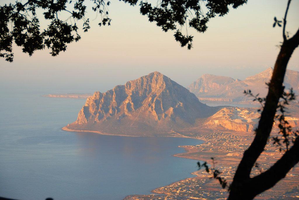 Vista del Monte Cofano - Erice - Visit Italy