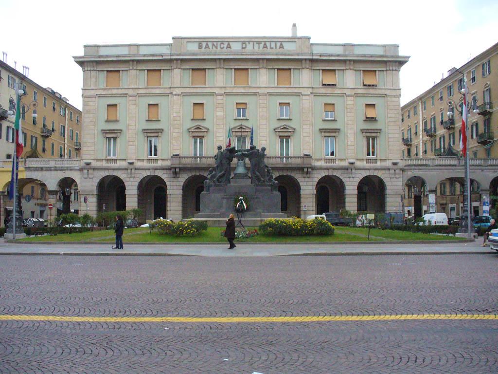 Piazza Mameli -  - Visit Italy