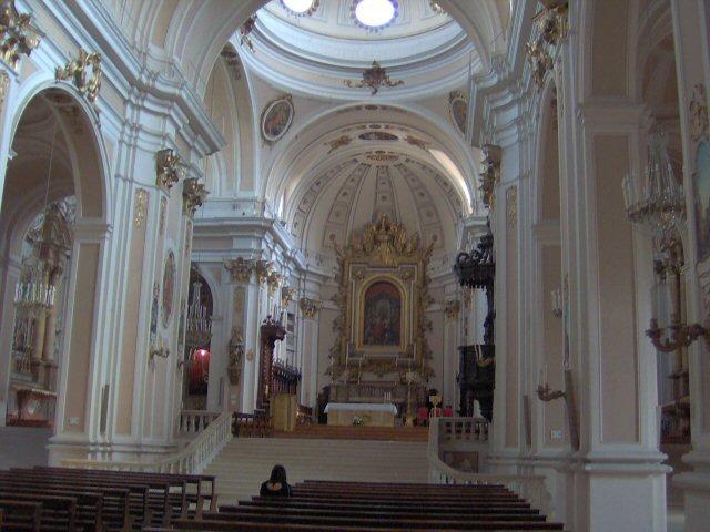 Interno della Chiesa di San Giustino - Chieti - Visit Italy