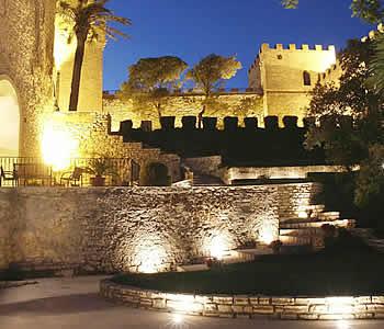 Castello di notte - Erice - Visit Italy