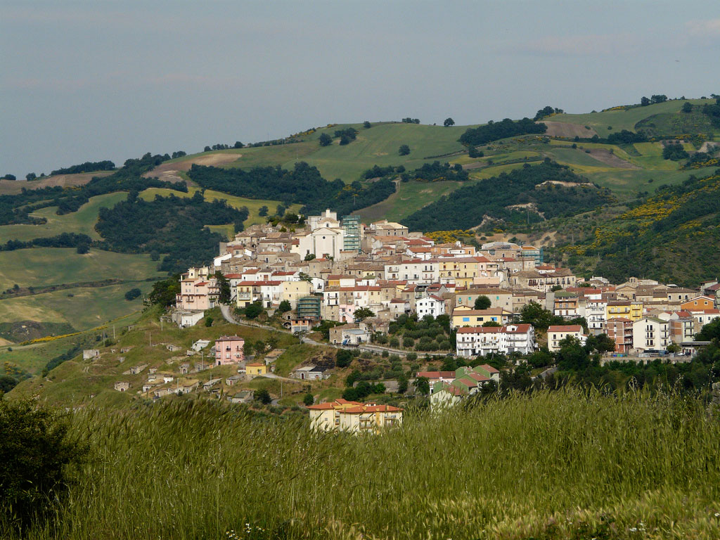 La città tra le colline