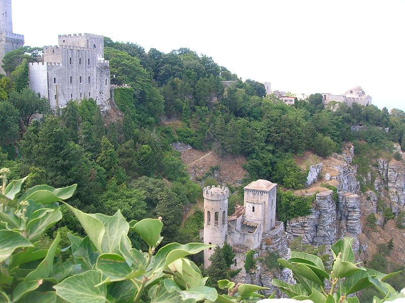 Il castello di Erice - Erice - Visit Italy