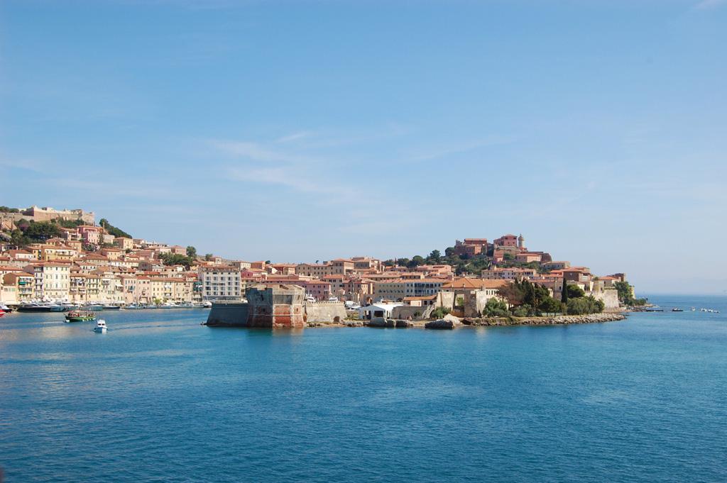 Vista del Porto - Portoferraio - Visit Italy