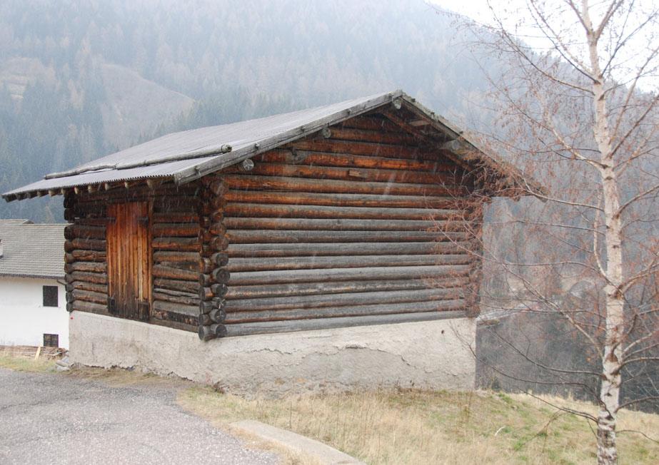 Casetta di legno a Palu del Fersina -  - Visit Italy