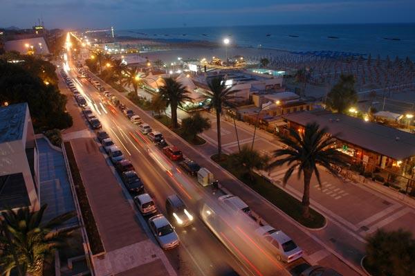 Seaside at night - Pescara - Visit Italy