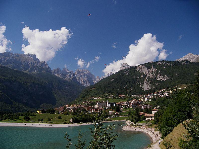 Molveno in riva al lago omonimo -  - Visit Italy