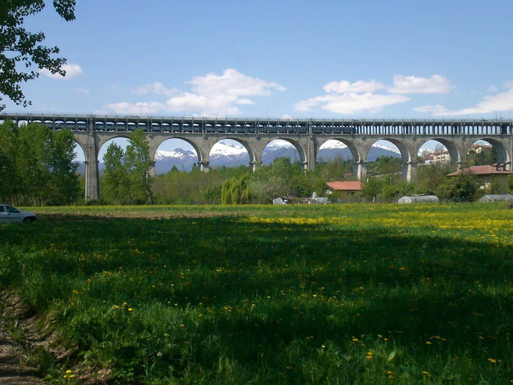 Viadotto Soleri, uno dei ponti di accesso alla città - Cuneo - Visit Italy