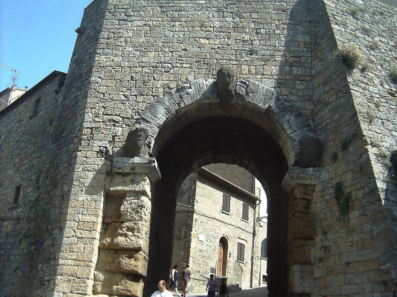 - Volterra - Visit Italy