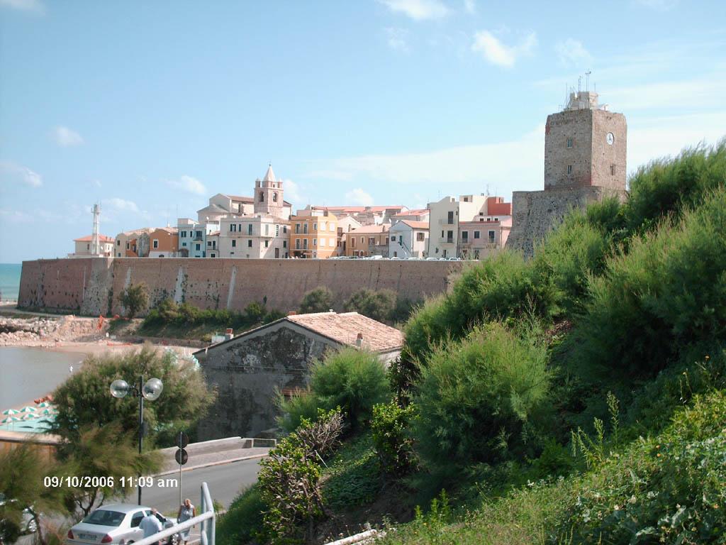 Borgo antico visto dal mare