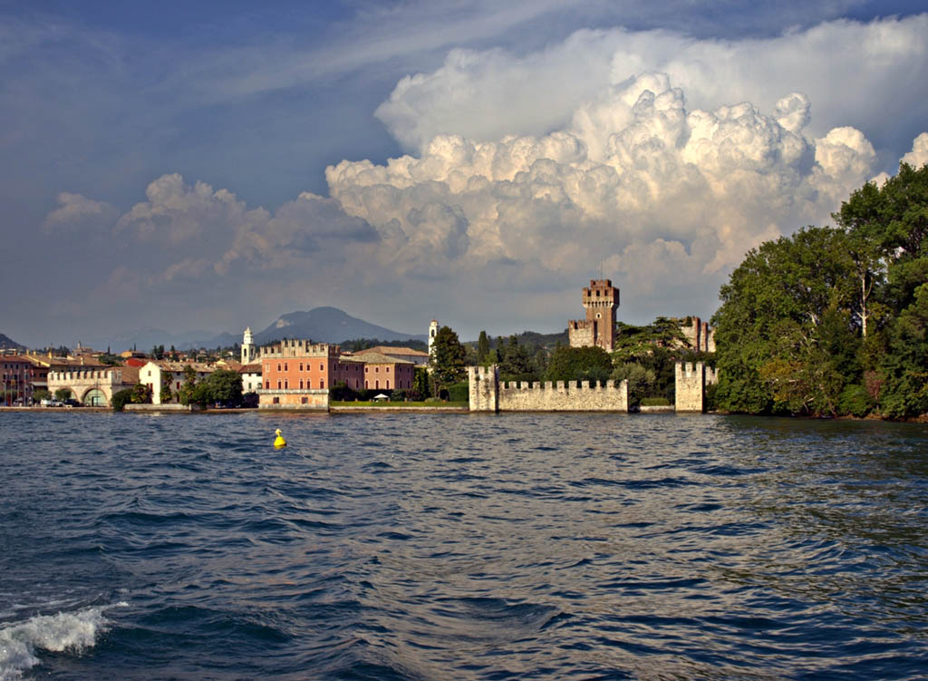 Lazise vista dal lago -  - Visit Italy