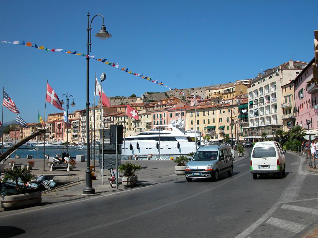 Il porto de Portoferraio - Portoferraio - Visit Italy